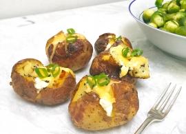 Gepofte aardappel maken met zure room & kaas made by ellen
