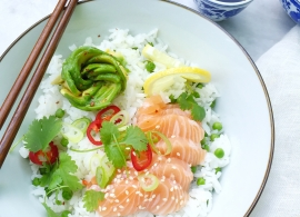 Sushi bowl maken met zalm en avocado roos made by ellen