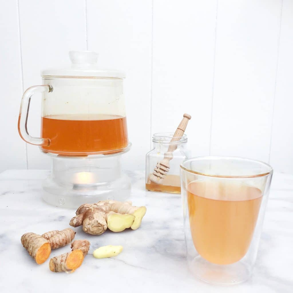 thee met gember en kurkuma