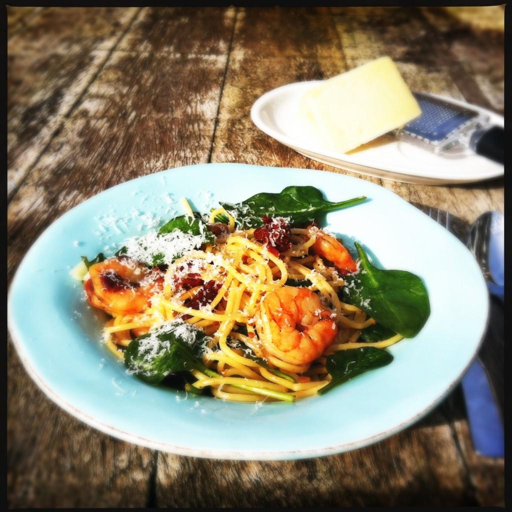 Yummy spaghetti met gamba's en jonge spinazie