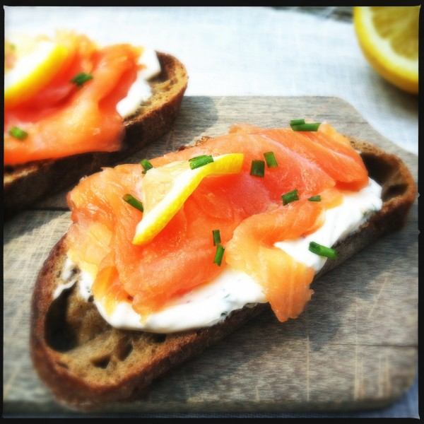 Smoked salmon with creme fraiche & chive | Made by Ellen