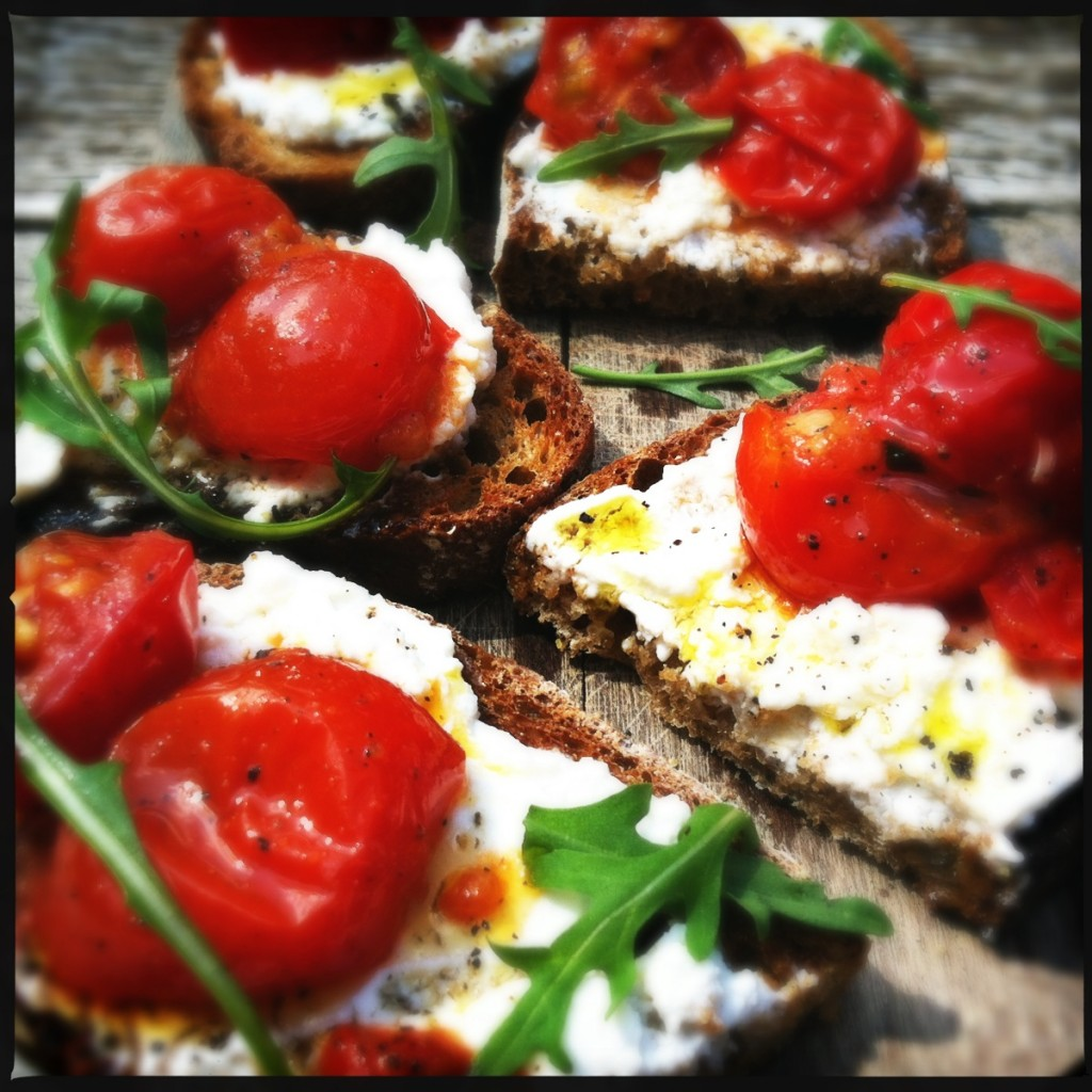 Grilled tomato & ricotta cheese on bread
