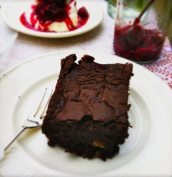chocolade brownie met frambozen & pecannoten made by ellen