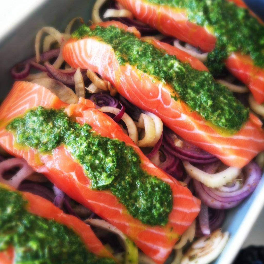 Made by Ellen zalmfilet met peterselie mengsel klaar voor de oven.