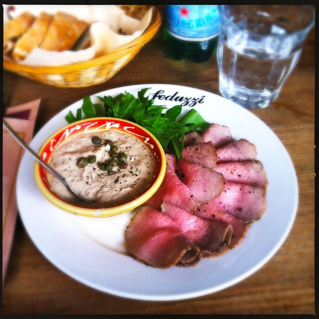 Na een werk meeting mezelf verwend met een lunch bij Feduzzi. Vitello It is:)