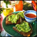 Bruschetta met pesto van tuinbonen & munt