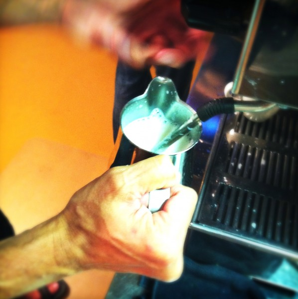 melk opschuimen barista cursus Made by Ellen