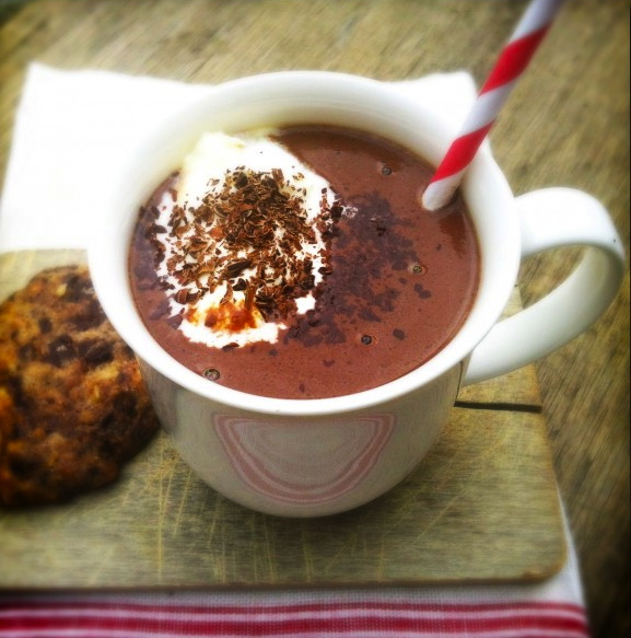 Zelfgemaakte chocolademelk met kardemome made by ellen