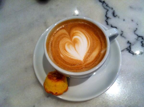 Koffie barista cappuccino made by ellen