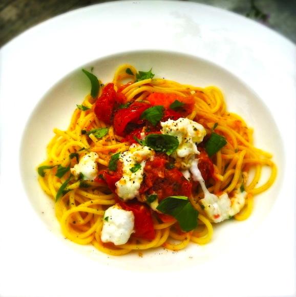 spaghetti met gegrilde tomaten en mozzarella made by ellen