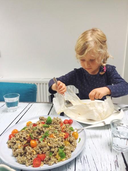 Vispakketje uit de oven met boekweit salade