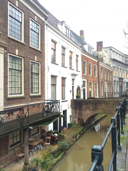 Cornelis Utrecht - coffee, food and a room
