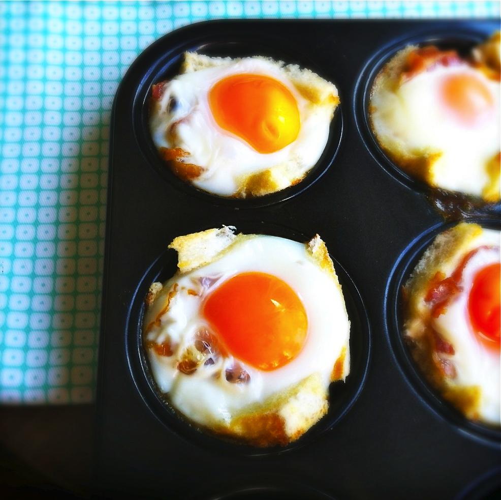 spiegeleieren met spek en toast uit de oven made by ellen