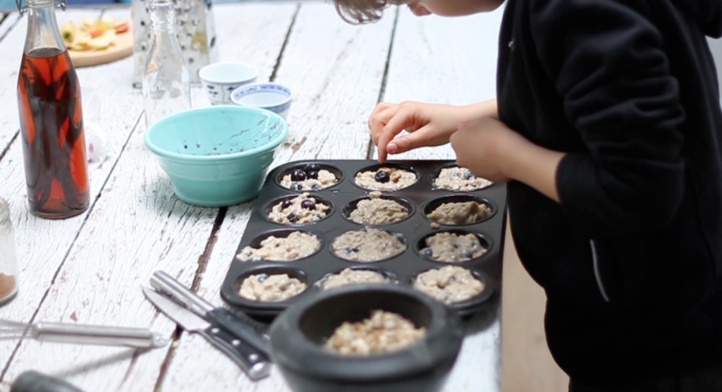 Ontbijtmuffins met havermout & bessen - VIDEO made by ellen