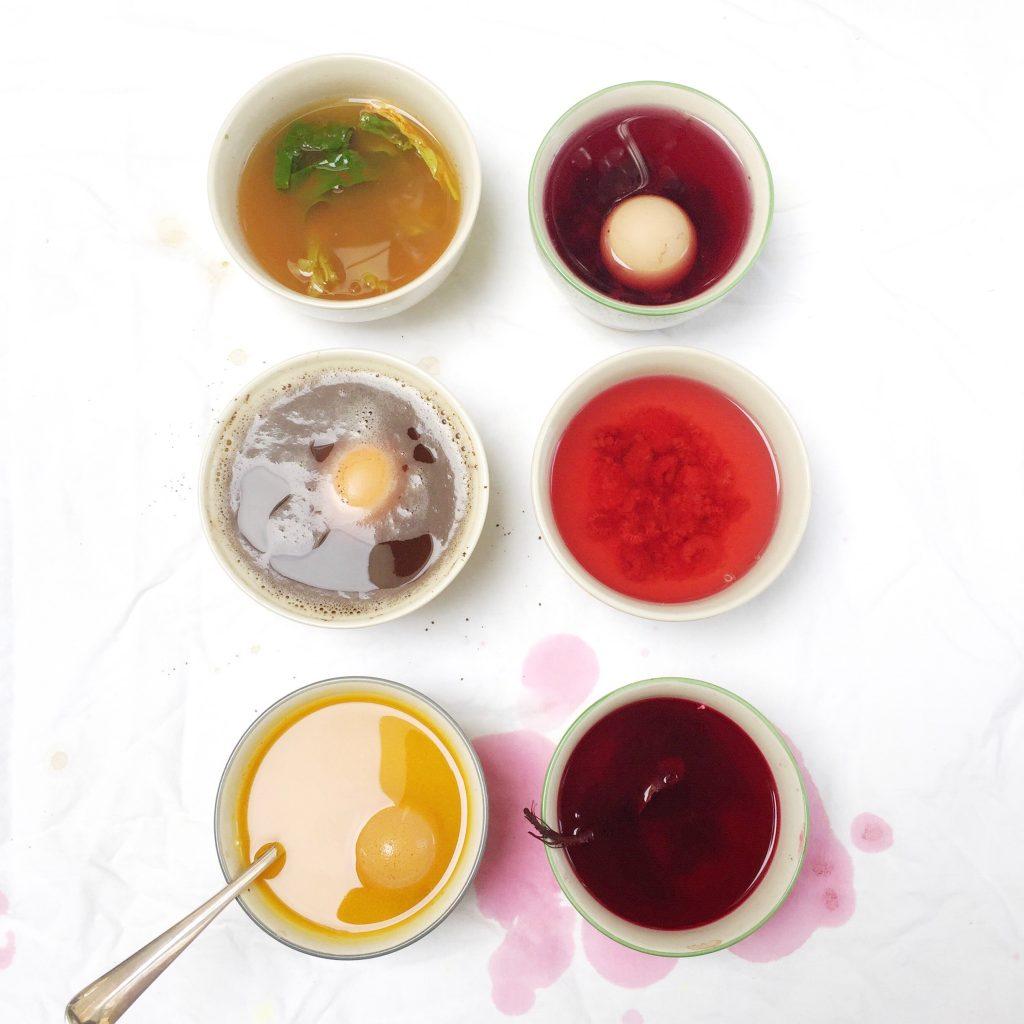 Paaseieren schilderen met natuurlijke ingrediënten kan dat?! made by ellen