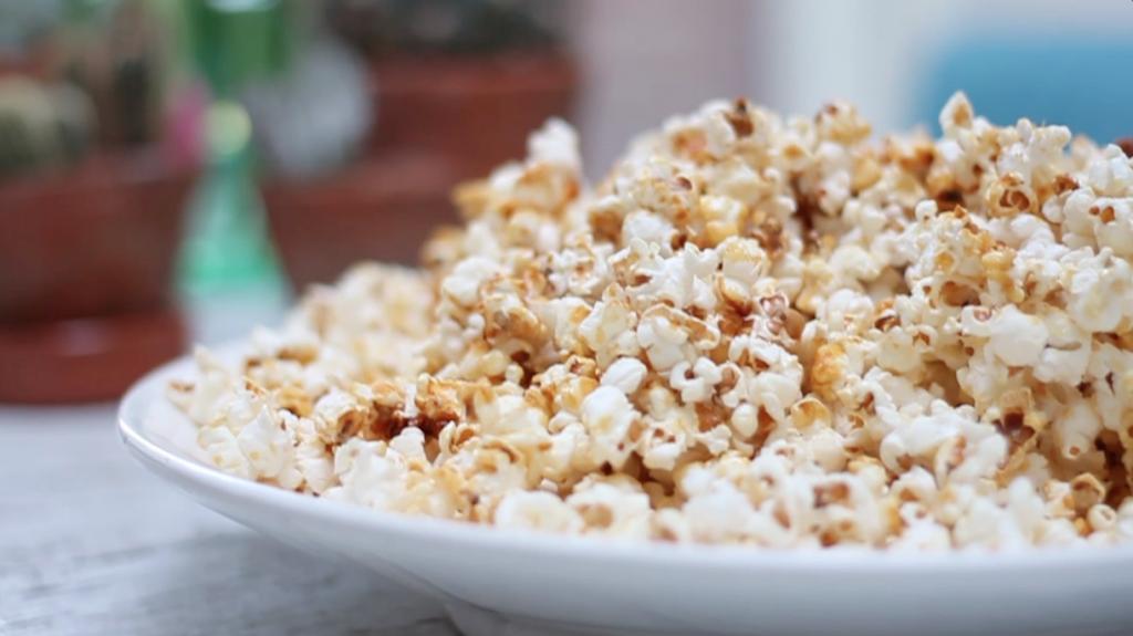 Zoete popcorn maken - video recept made by ellen