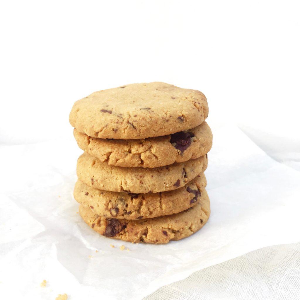 Pindakaas koekjes met stukjes chocolade bakken made by ellen