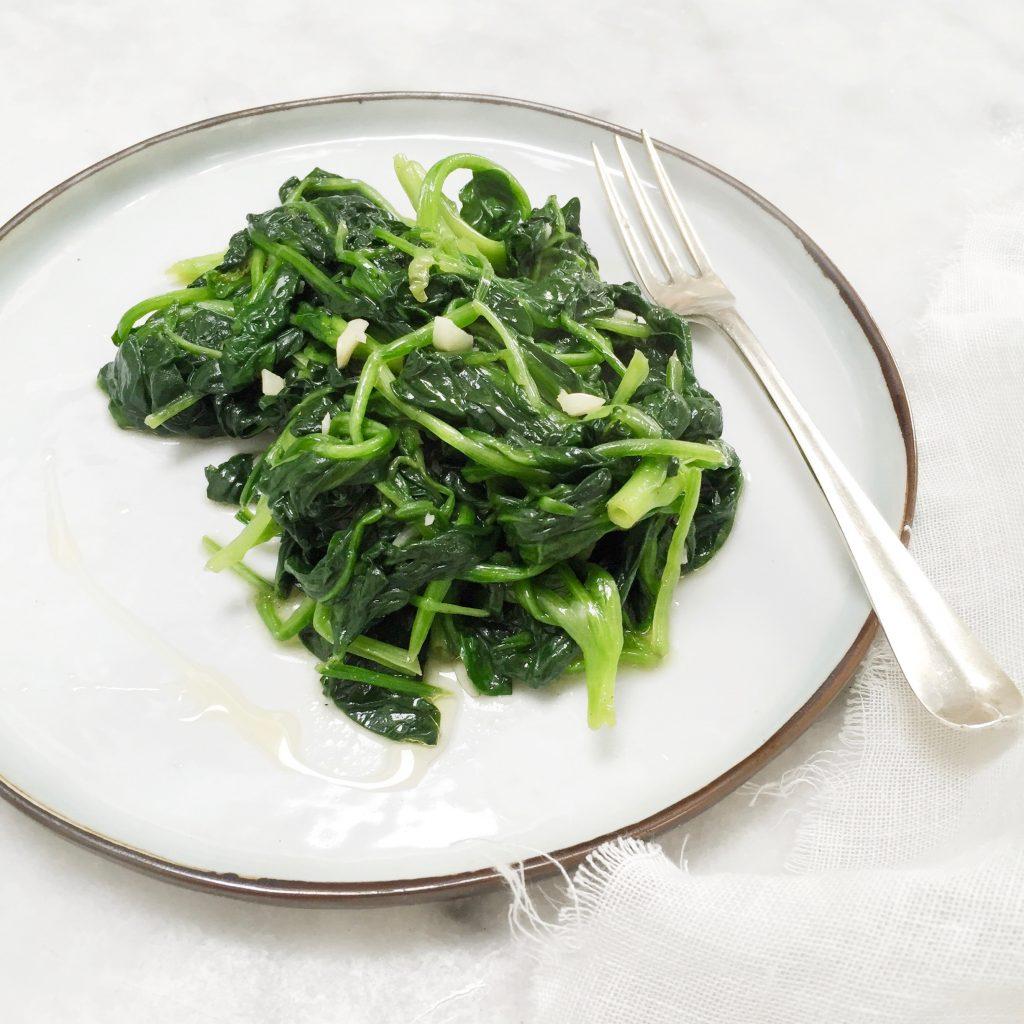 verse spinazie bereiden wokken