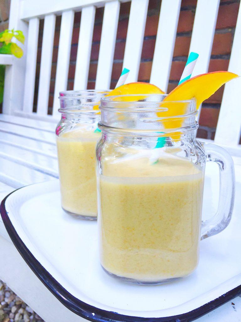 Mango smoothie maken made by ellen