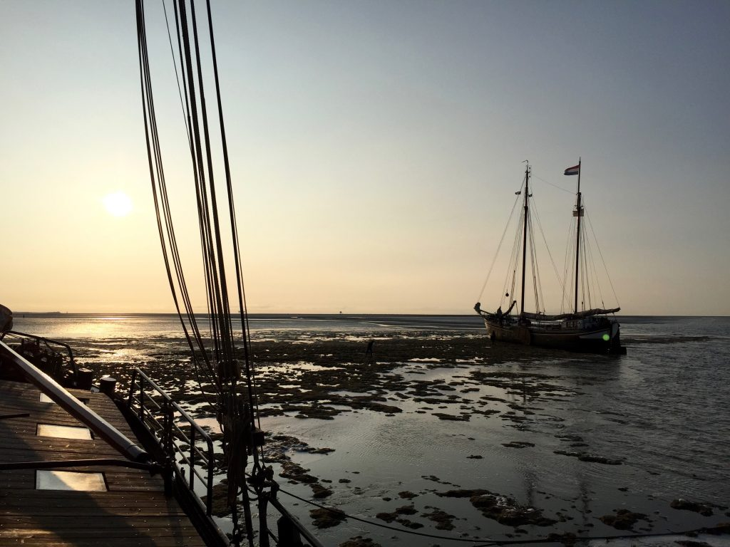 Zeilen met de boot naar Schiermonnikoog & droogleggen made by ellen