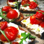 Tomaten bruschetta maken met ricotta & rucola made by ellen