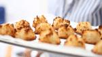 Kokosmakroontjes bakken video recept made by ellen
