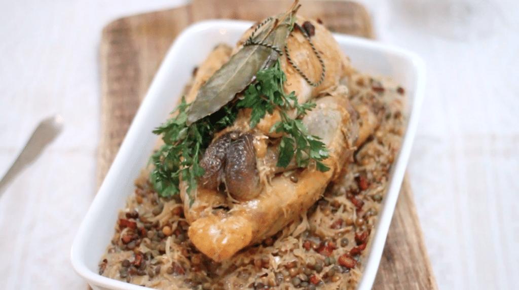 Recept parelhoen uit de pan met zuurkool & linzen - video made by ellen
