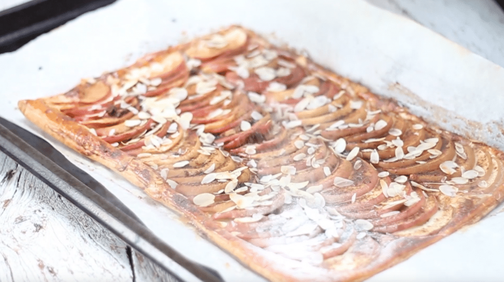 Video: appelplaattaart met bladerdeeg made by ellen