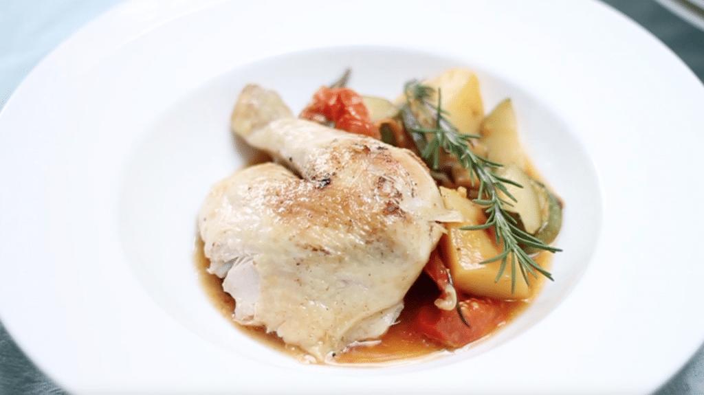 Video: hele kip bereiden met groente (eenpansgerecht) - made by ellen