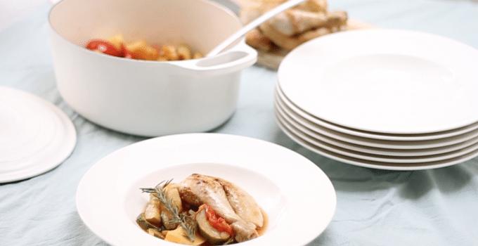 Video: hele kip bereiden met groente (eenpansgerecht)