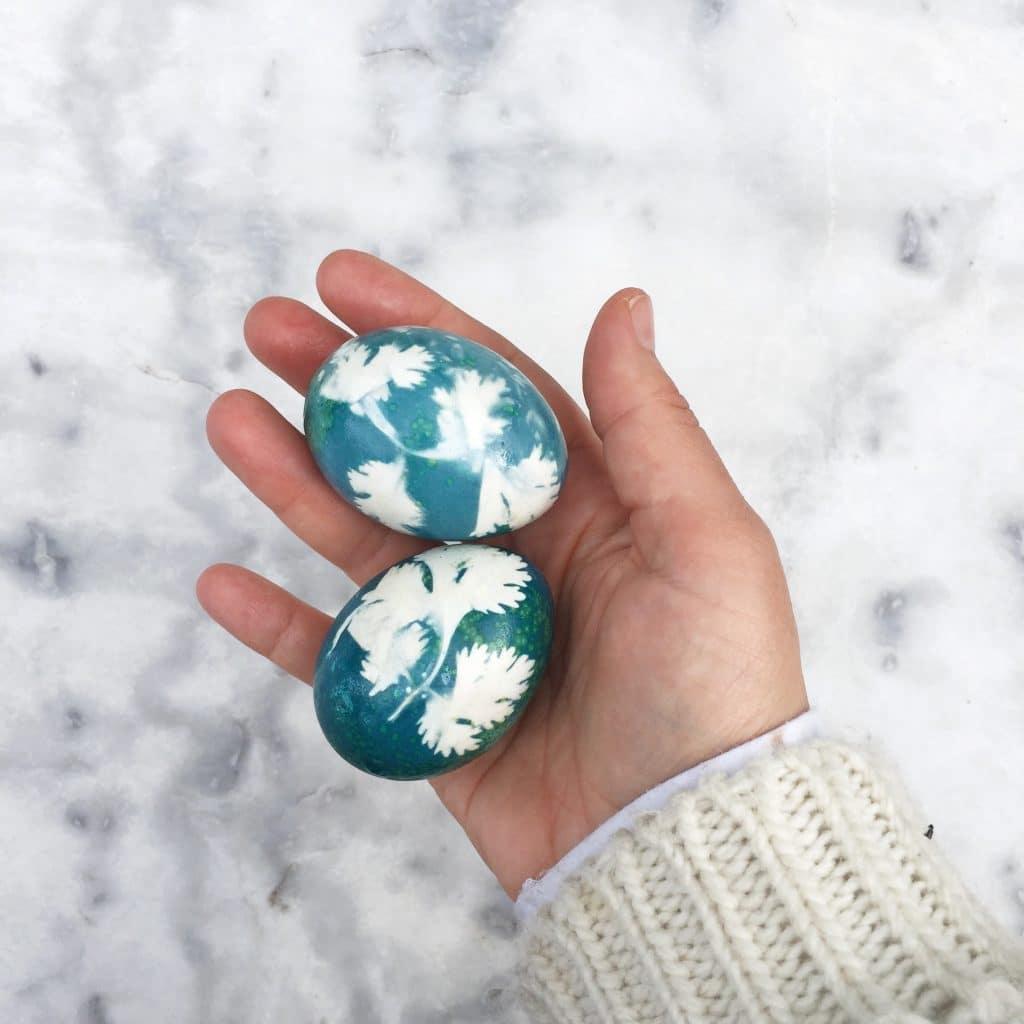 Pasen knutselen - paaseieren verven met natuurlijke kleurstof