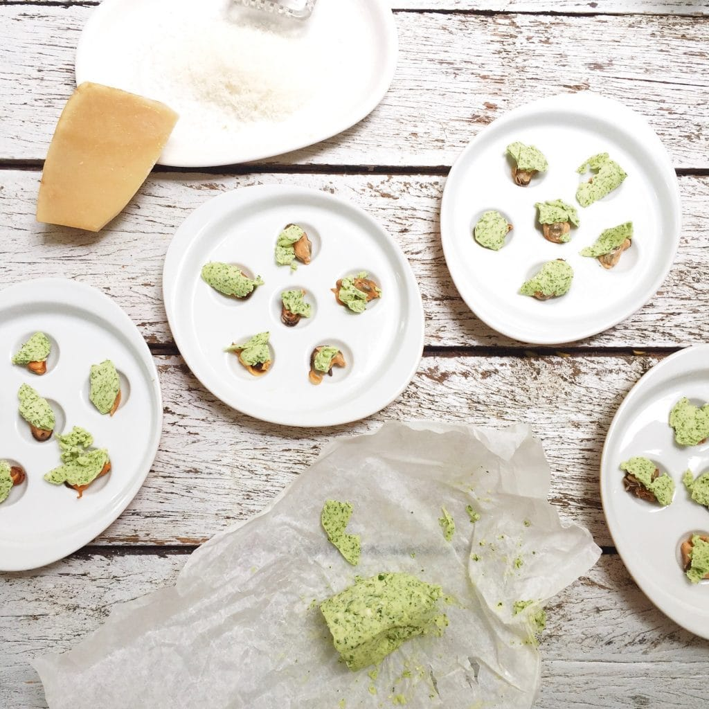 Gegratineerde mosselen met kruidenboter & kaas, made by ellen