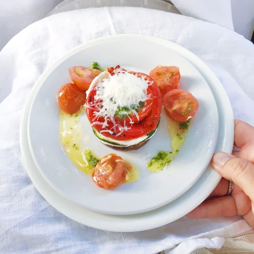 Gegrilde groenten torentje met mozzarella & cherry tomaat