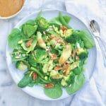 Groene salade met avocado, sojabonen & miso dressing