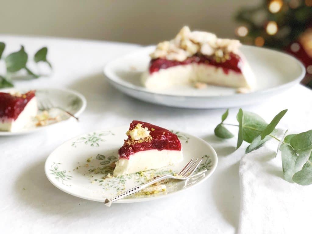 Yoghurt panna cotta met cranberry & pistache koekjes