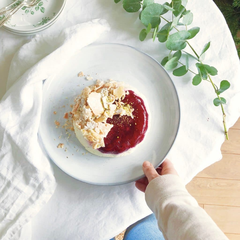 Yoghurt panna cotta met cranberries & pistache koekjes