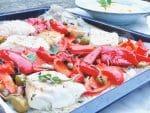 Kabeljauwhaas uit de oven met olijven, kappertjes & paprika