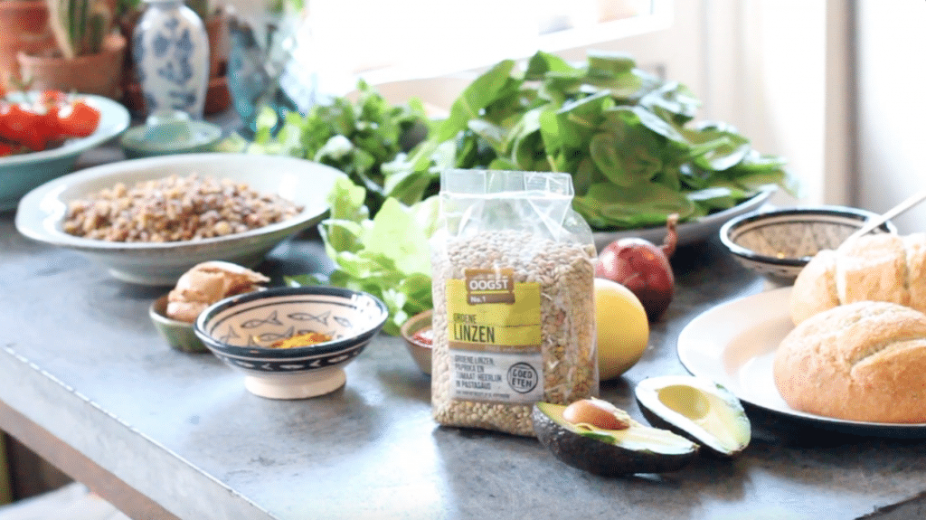Vegan linzenburgers met harisa avocado mayonaise recept made by ellen