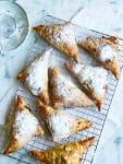 Kersenflappen met vanille & amandelschaafsel
