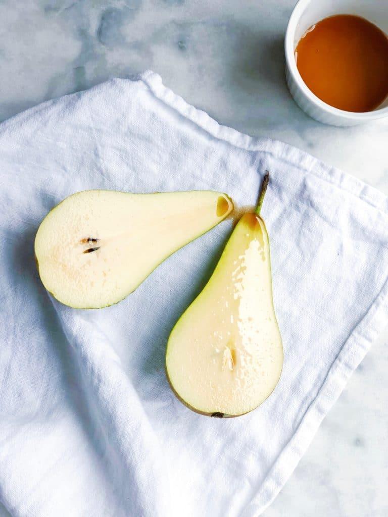Nagerecht gegrilde peer met koffie mascarpone