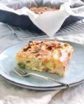 Aspergecake met tuinbonen en geitenkaas
