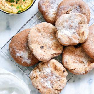 Gezonde pita broodjes van speltmeel maken