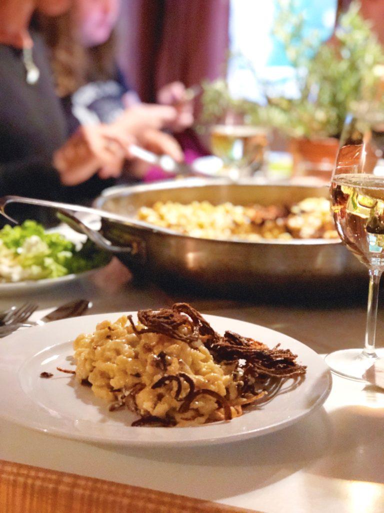 Spätzle maken met veel kaas en gebakken ui Oostenrijks recept, made by ellen