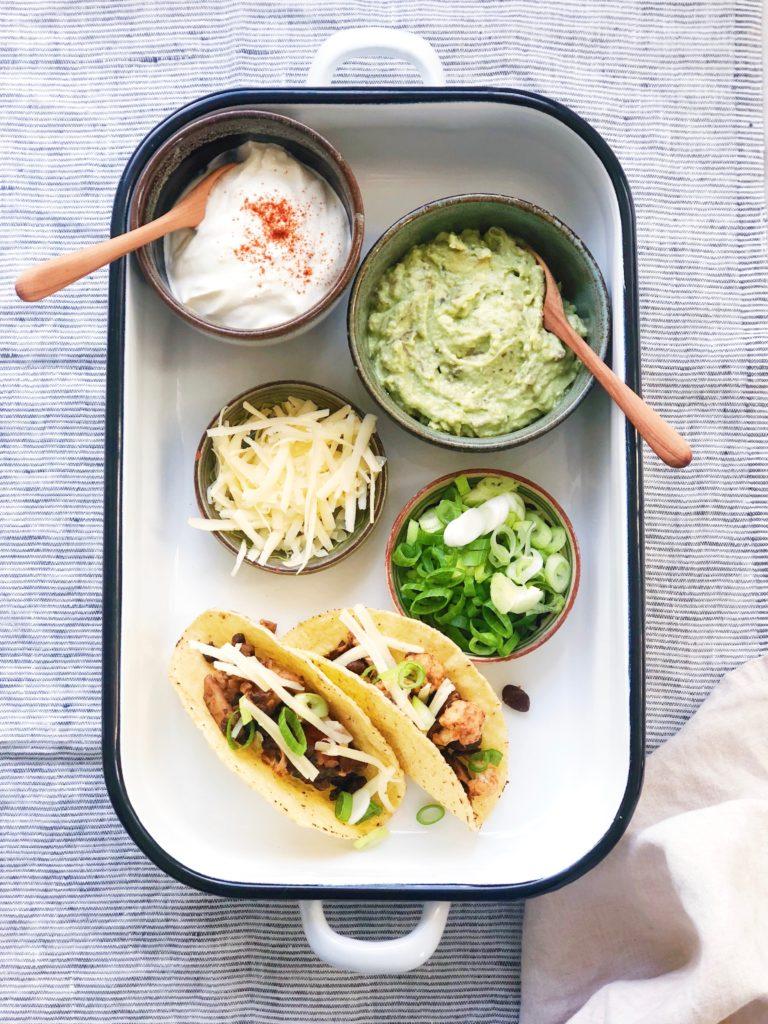 Vegetarische taco's met shiitakes en zwarte bonen, made by ellen