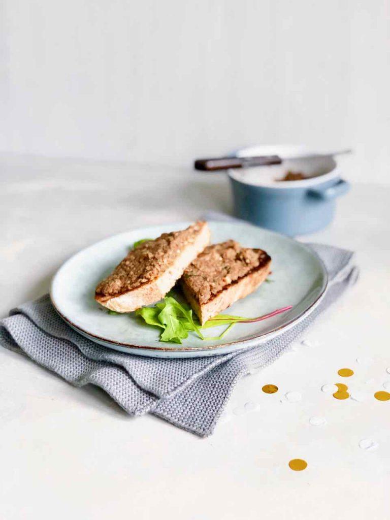 Vegan paté maken, made by ellen