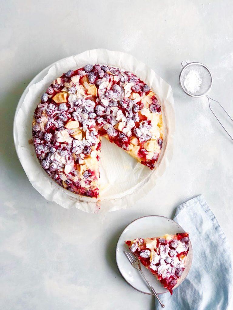Cranberry cake met peer, appel en amandelen