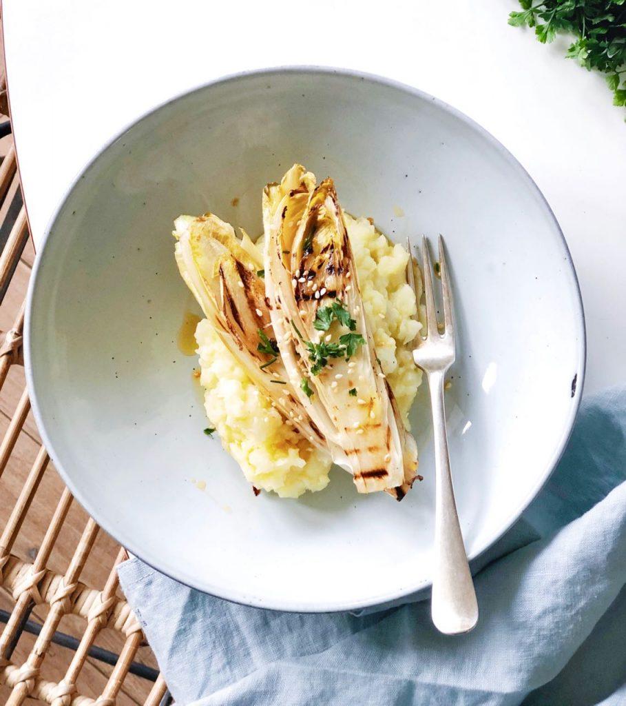 Gegrilde witlof met aardappel-bloemkoolpuree