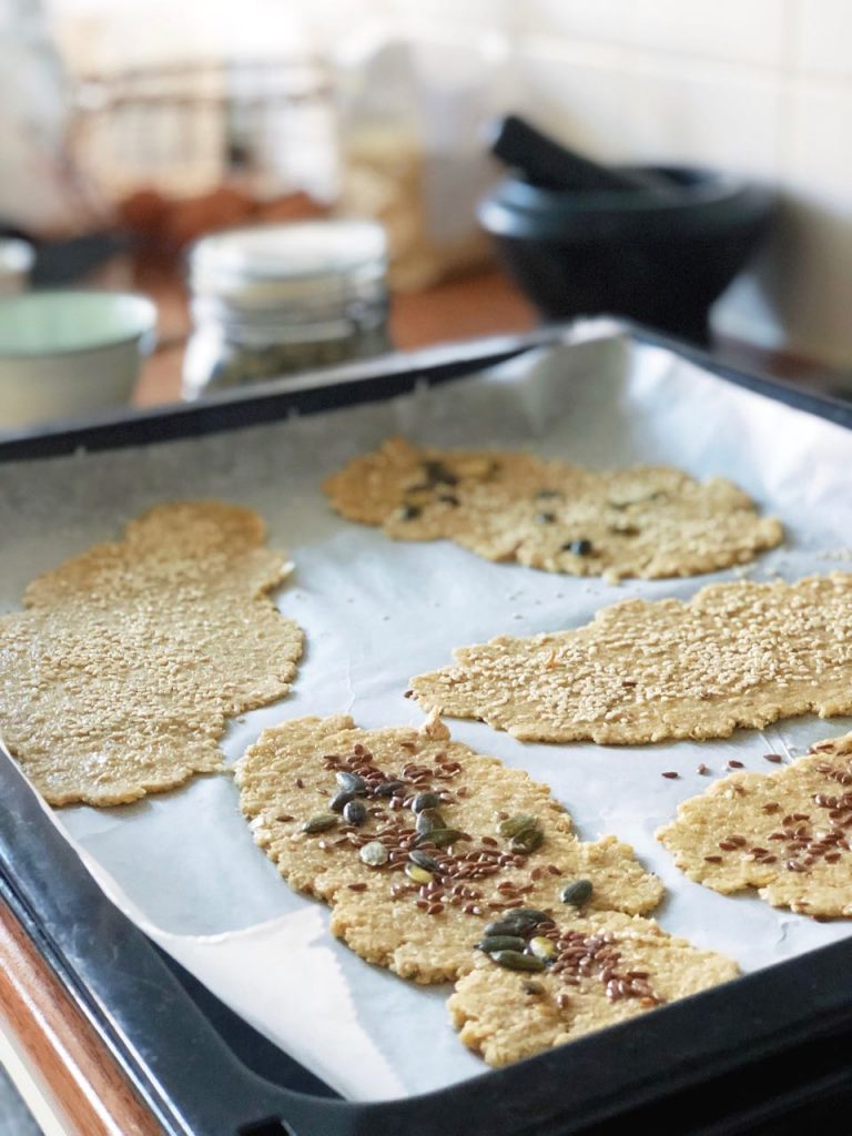 Havermout crackers met havermout en zaden