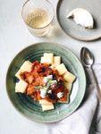 Pasta met geitenkaas, aubergine en zongedroogde tomaten, made by ellen