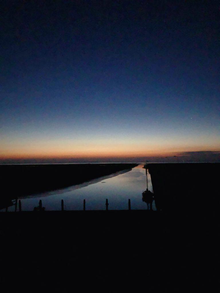 Noordpolderzijl haven bij nacht